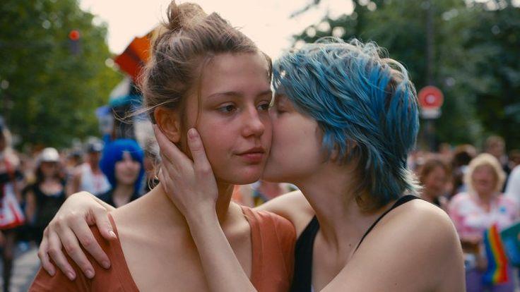 Blue Is the Warmest Color Blue Is the Warmest Color nonton film Diadaptasi dari novel grafis berjudul sama karangan Julie Maroh, Blue is the Warmest Color adalah film yang tidak hanya berhasil meraih Palme d'Or pada ajang Cannes Film Festival tahun lalu namun juga berhasil mengguncang dengan kontro