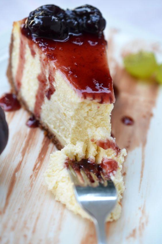 Vaníliás mascarpone szelet sütés nélküli ínycsiklandó édesség! A lekvár még csábítóbbá teszi… :)