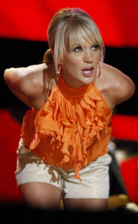 214 best images about carrie underwood on pinterest for Who is carrie underwood married too