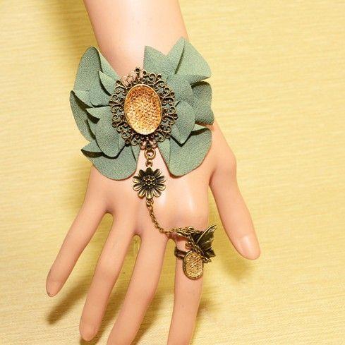 Beora Retro Gothic Lace Fashion Bracelet @ Trendymela.com