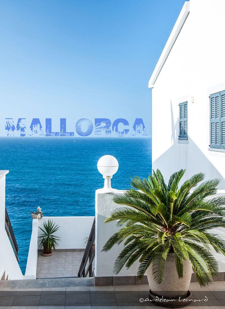 The blue colors in Mallorca... In Port de Soller 2o12