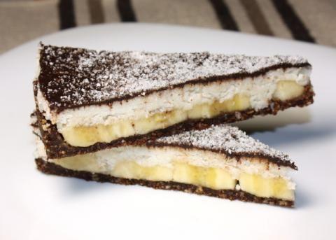 Kokosovo - banánova torta bez cukru a pečenia, recepty, Torty | Tortyodmamy.sk