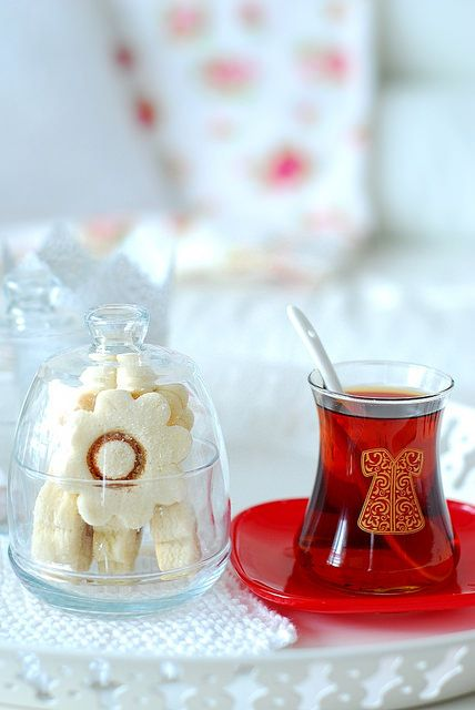 shortcake and Turkish tea // Get your Roleaf #tea with 10% off using our discount code '10Roleafpin' on www.roleaf.com.