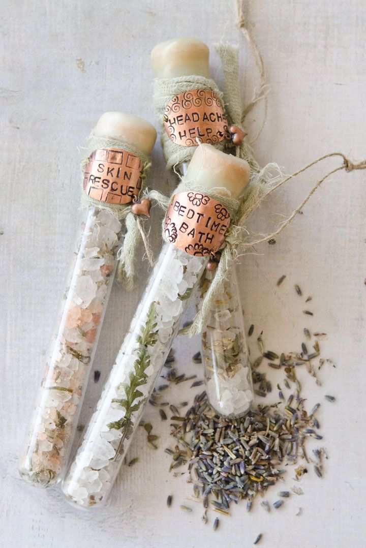 DIY bath salt soaks make the perfect gifts for your loved ones who like pampering! Now in the Winter 2016 Issue of Willow and Sage.