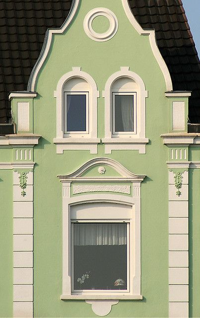 nice earrings, madame! by cool_colonia4711, via Flickr  #nesthappyhomes http://www.youtube.com/watch?v=vLmFSloPmk8