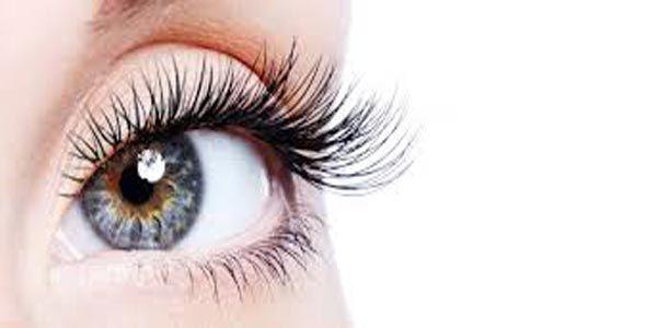 ingin mempunyai bulu mata yang panjang dan lentik agar penampilan agar terlihat cantik, mari lihat tips dan cara memanjangkan bulu mata secara alami berikut ini - 7 Cara Alami Memanjangkan Bulu Mata Agar Terlihat Lentik