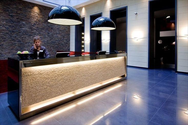 Reception dell'Hotel Palazzo Zichy di Budapest