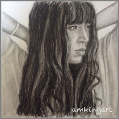Loreen in charcoal
