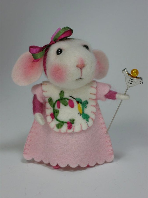 <3  Needle felted mouse