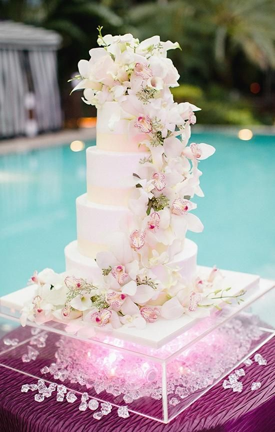 floating wedding cake 277 best images about poolside wedding on 14320
