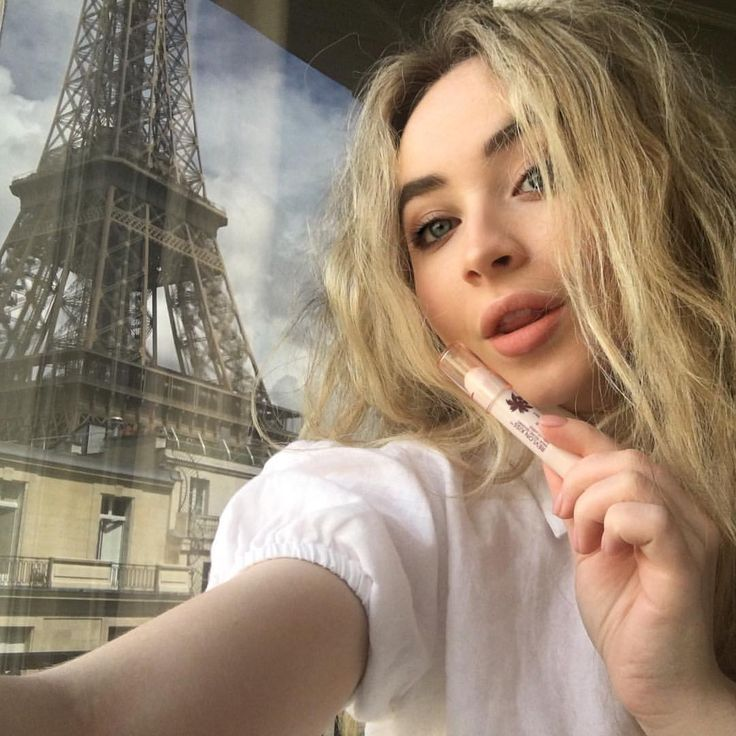 """29.6k Likes, 344 Comments - Sabrina Carpenter (@sabrinacarpenter) on Instagram: """"sending kisses to you all xx an amazing tour with my @Revlon Kiss Balm in Tropical Coconut…"""""""