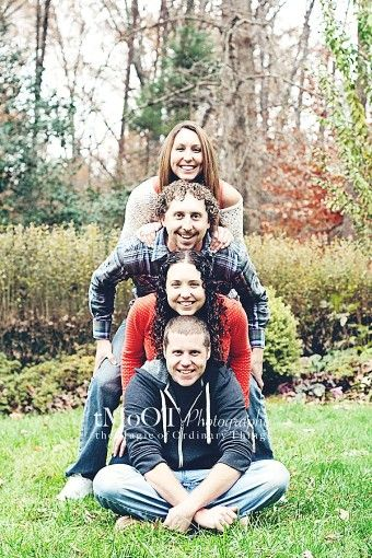 Funny pyramid 2014 Christmas family photoshoot ideas - outdoor photo, photo pose ideas - Fantastic 2014 Christmas family photo ideas ! by wordsofviolence