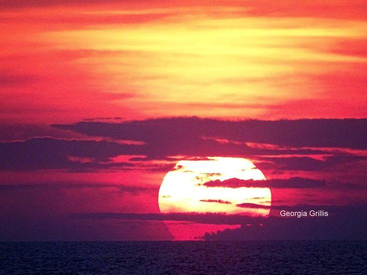 Believe it or not, here's a #sunset  in #October .. #patmos   #patmosaktis   #patmos_island   #grikos   #grikosbay   #autumn   #chochlakas   #sunset_madness   #destination   #location