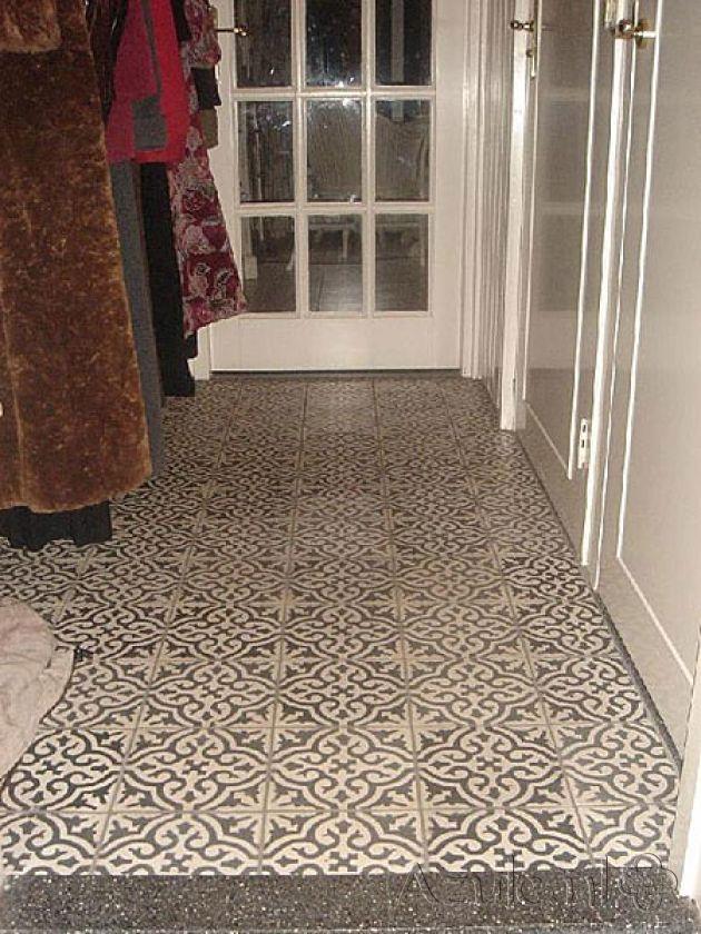 Cement tiles Hall - Negra 01 - Project van Designtegels.nl