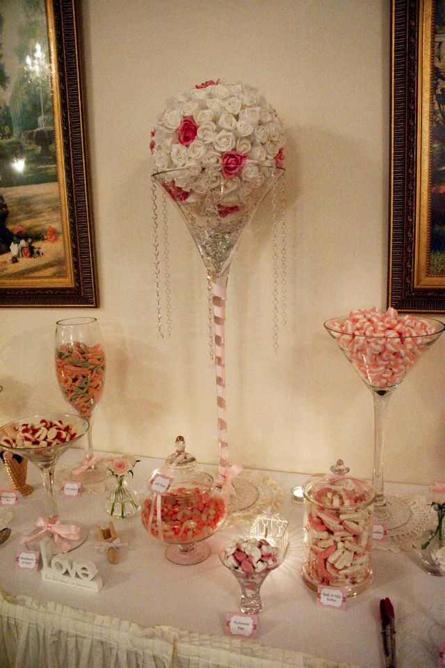 Wedding lolly buffet styling - vintage white and pink