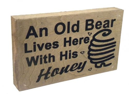 "This cute wooden pallet sign reads """"An old Bear lives here with his Honey"""" and is the perfect piece of wall decor to add to any room of the house! It would also be the perfect rustic decor item for"