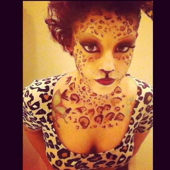 876 best Costumes & Makeup images on Pinterest | Halloween ideas ...