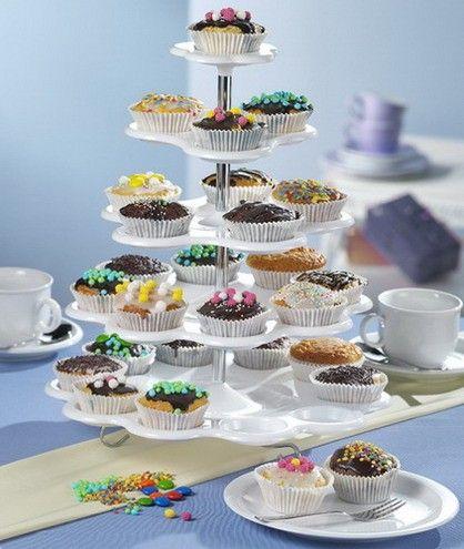 Suport pentru briose  http://www.bucataria-fermecata.ro/accesorii-servire-masa/suport-briose-muffin-uri-mandy-cu-5-nivele.html