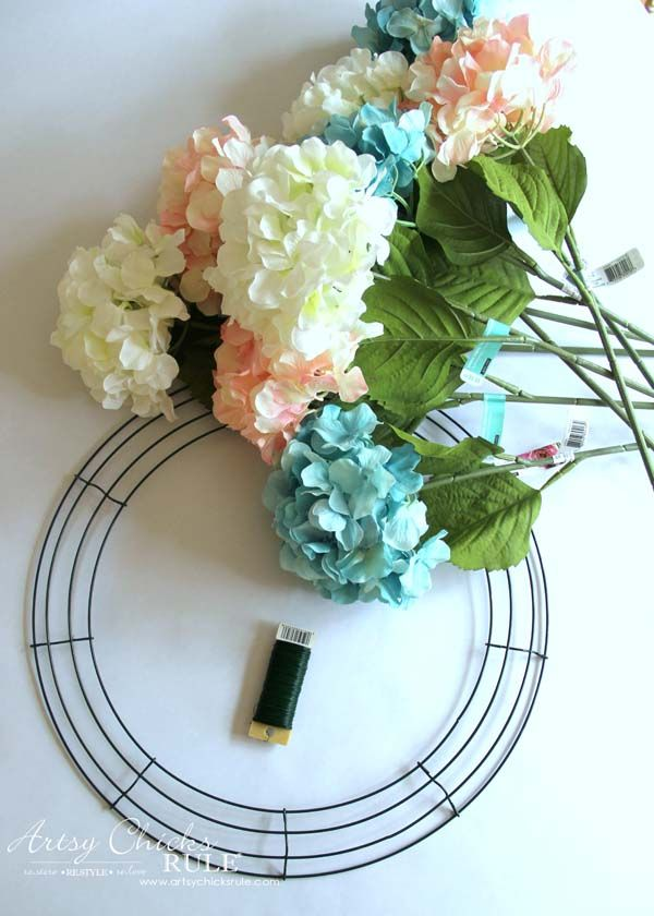 Best 25 hydrangea wreath ideas on pinterest wreaths for Spring craft shows near me