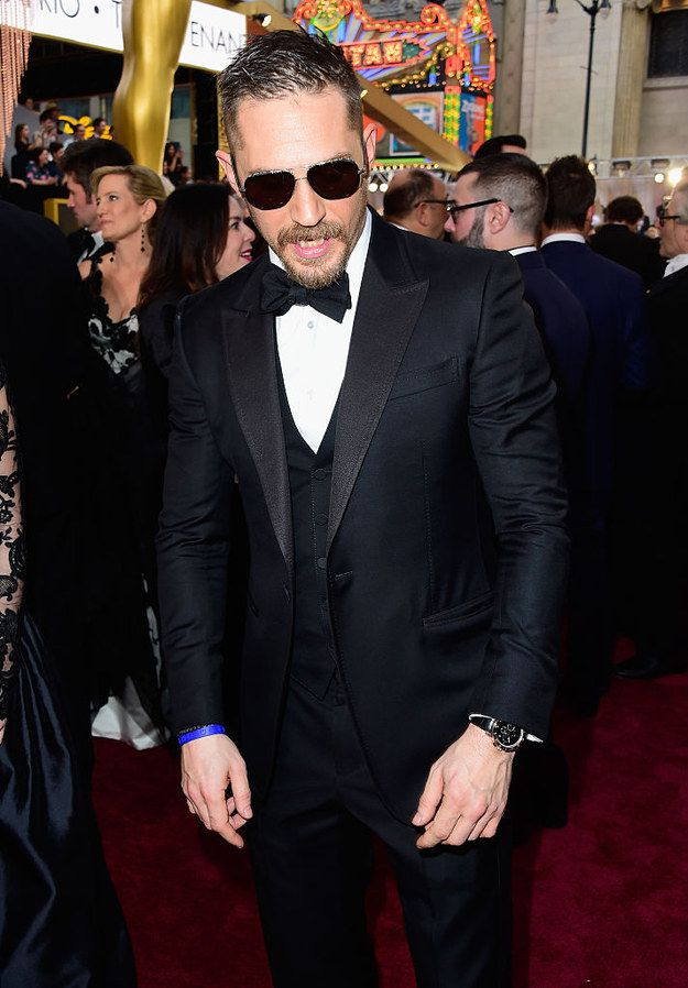 This is Tom Hardy at Sunday night's Oscars. | Can We All Take A Moment To Appreciate Tom Hardy At The Oscars
