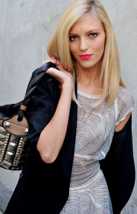 { pink } #fashion #lipstickAnjarubik, Hair Colors, Blondes Beautiful, Pink Lips, Hot Pink, Beautiful Blog, Lips Colors, Anja Rubik, Beautiful Trends