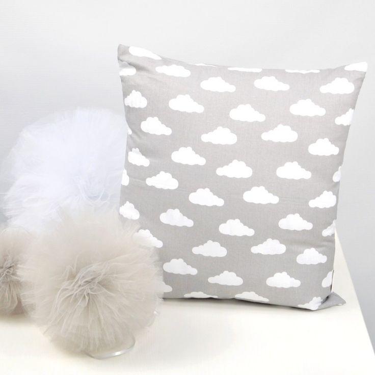 Poduszka w chmurki