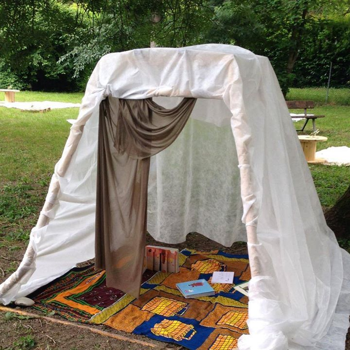 "Outdoor reading den - from Reggio Emilia inspirerte pedagoger i Norge ("",)"