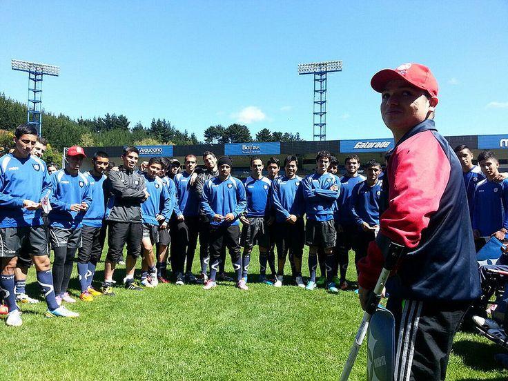 Teletón invita a jugadores de Huachipato a participar de la campaña 2014