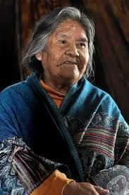 Cristina Calderón (born 24 May 1928) of Robalo, Puerto Williams, on Navarino Island, Chile, is the last living full-blooded Yaghan person.By 2004, Calderón (often referred to as simply Abuela) and her sister-in-law Emelinda Acuña were the only two remaining native speakers of the Yaghan language