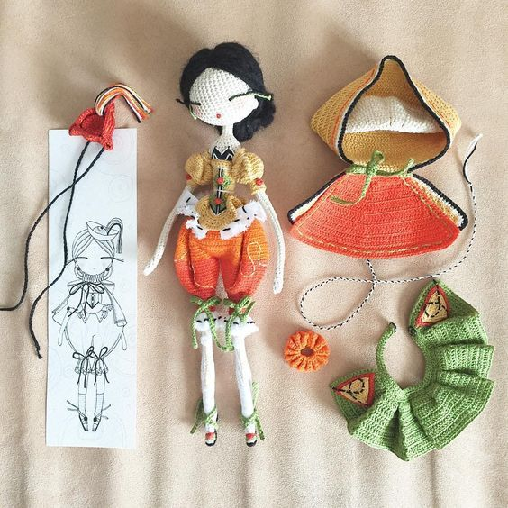 Amigurumi girl doll with her outfit. (Inspiration).