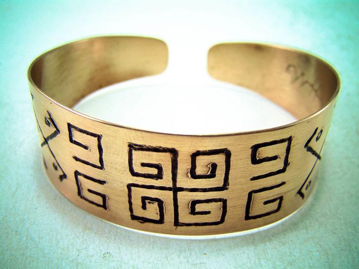 Bratari din cupru gravate manual cu simboluri sacre Romanesti - HadarugartArta inseamna viata