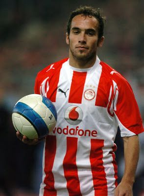 Belluschi Fernando Daniel. Los Quirquinchos. Argentina. (1983). Μέσος. Από το 2007-2009. (36 συμμετοχές 6 goals).