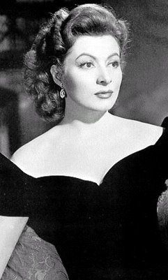 One of my most favorite actresses of all time -- Greer Garson  (Pic from the movie Random Harvest)