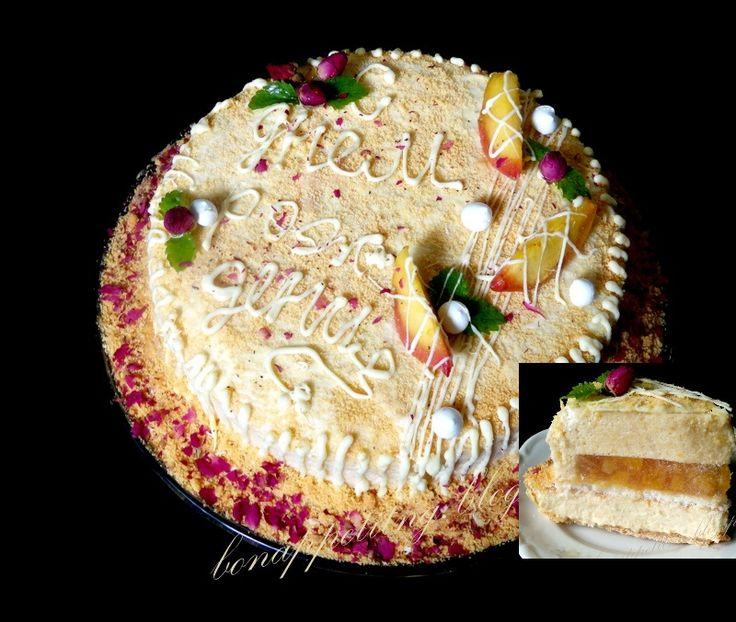 brzoskwiniowy (ciasto kruche, karmel brzoskwiniowa, lekki krem brzoskwiniowo - limonkowy, dakłas kokosowy, galaretka brzoskwiniowa z kawałkami brzoskwini, lekki mus brzoskwiniowo - limonkowy)