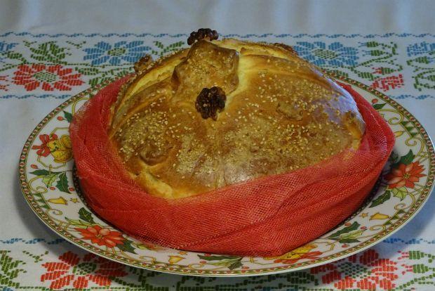Χριστόψωμο λέγεται το ψωμί που παρασκευάζουν οι νοικοκυρές για τη γιορτή των Χριστουγέννων και η διαφορά του με τα άλλα ψωμιά είναι ότι περιέχει ζάχαρη, μπαχαρικά και είναι στολισμένο με διάφορα στολίδια ανάλογα με την περιοχή της Ελλάδος ή και την κάθε οικογένεια. Συμβολίζει για μένα τύχη για το σπίτι μας.