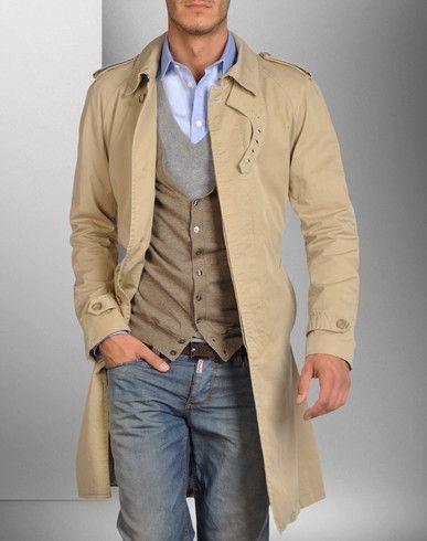 Мужское двубортное пальто - отличный вариант для тех, кто следит за модой