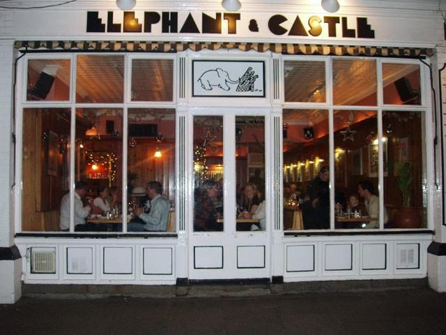 The Elephant and Castle great spicy chicken wings and hamburgers and Cheesecake!