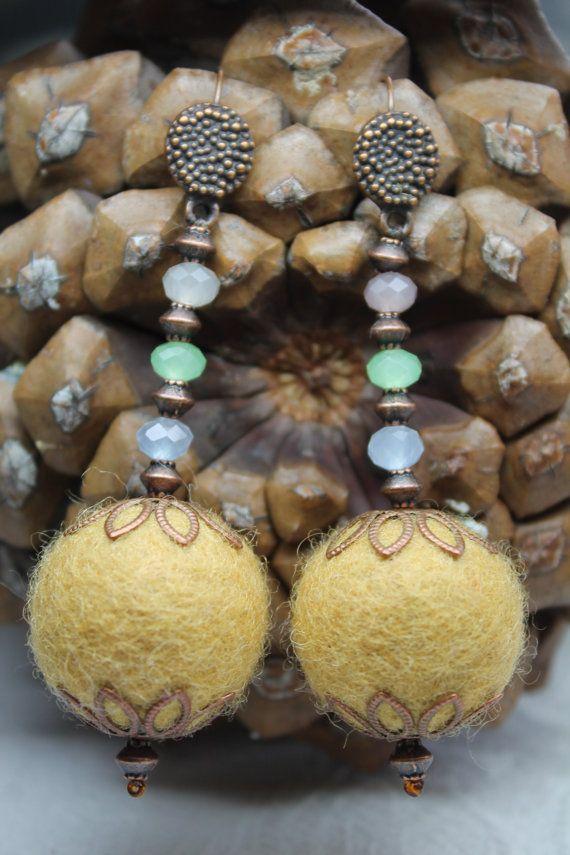 Felted+Earrings+in+Vintage+Style.+Wool+Felted+by+KatesBeautyStore,+€10.00