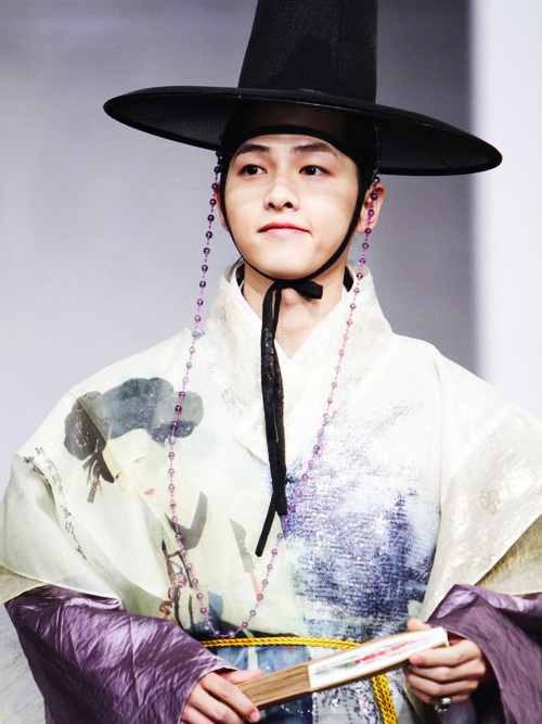Gu Yong Ha (Yeorim) played by Song Joong Ki in Sungkyunkwan Scandal- perhaps, my favourite kdrama character ever <3