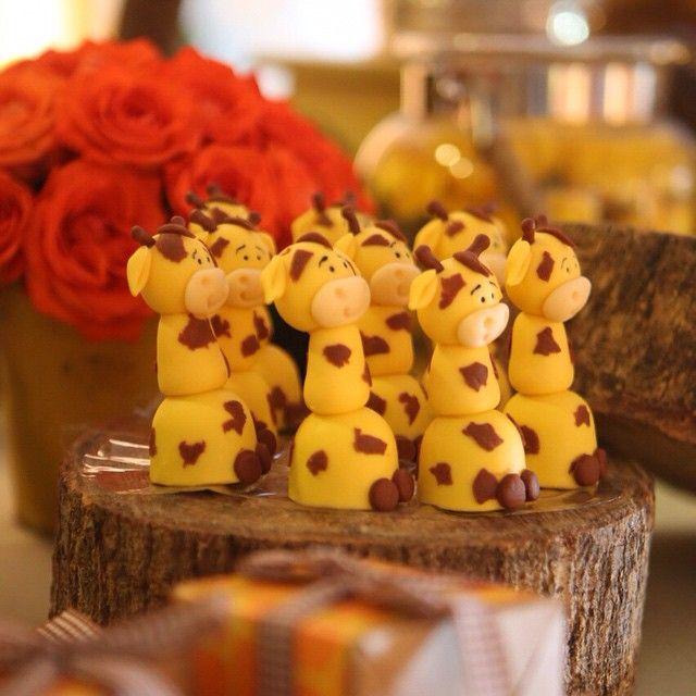 festa girafas by https://instagram.com/liviamartinsfestas/
