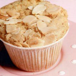6 luglio 2016 - muffins con mandorle e gocce di cioccolato bianco