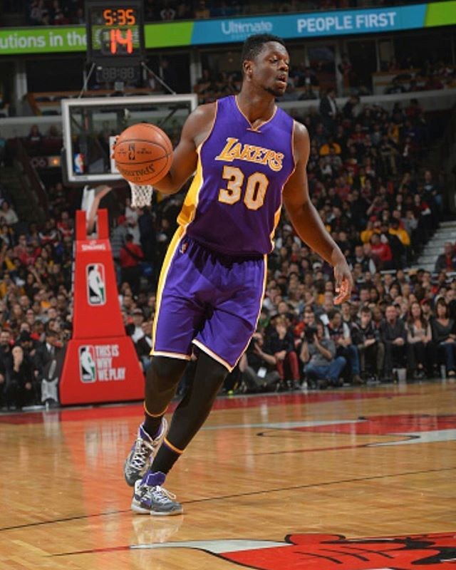 Lakers defeat the Bulls 96-90! @juliusrandle30 finished with 13pts and 20 rebs!  ________________________________________________ STATS:  @jordanclarksons 18pts, 4rebs, 3asts @louwillville 18pts,5rebs, 5asts  @larrydn7 12pts, 11rebs, 3stls  #losangeles#lakers#juliusrandle#jordanclarkson#louwilliams#larrynancejr