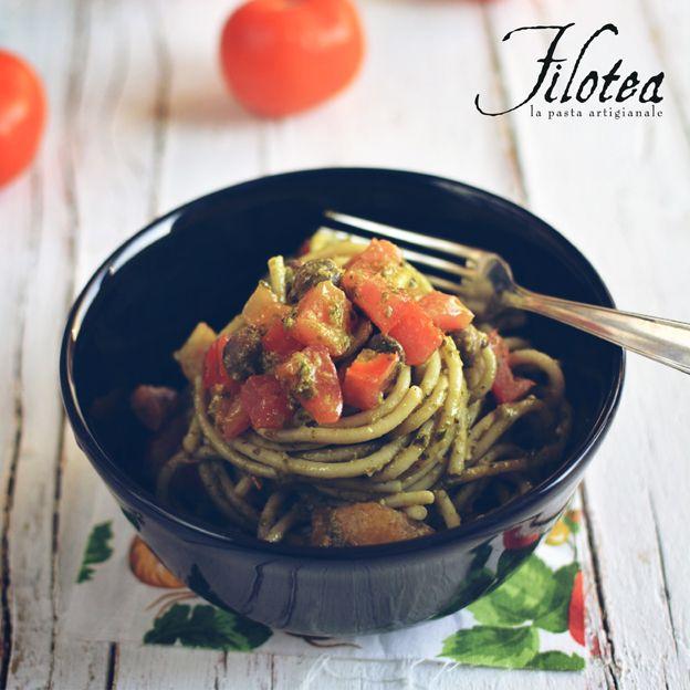 Spaghetti con Pesto di Finocchietto selvatico, Pomodori e Limoni sott'olio