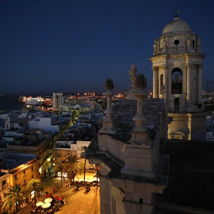 Vista nocturna de #Cadiz desde la catedral