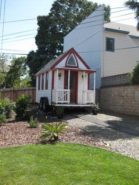 1000 images about tiny houses for rent or lease on pinterest vacation rentals treehouse. Black Bedroom Furniture Sets. Home Design Ideas