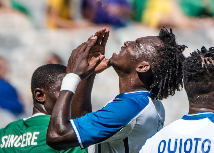 Honduras' Alberth Elis reacts during the Rio 2016 Olympic Games men's bronze medal football match against Nigeria at the Mineirao stadium in Belo Horizonte, Brazil, on August 20, 2016. / AFP / GUSTAVO ANDRADE