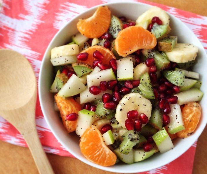 Kış mevsiminin gözde meyveleriyle hazırlayacağınız bu salata tam bir vitamin deposu! Taptaze meyveler için Carrefour İçerenköy AVM'ye! #kis #meyve #salata #vitamin #taptaze #carrefouricerenkoyavm #icerenkoy