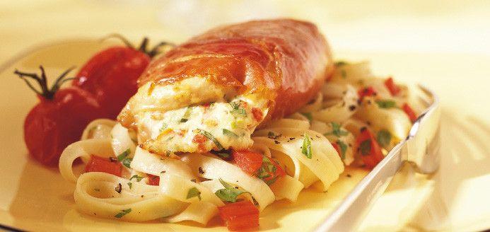 Suprêmes de poulet farcis à la ricotta et aux tomates séchées Recettes | Ricardo