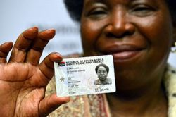 New SA ID cards feature NFC-like technology   South Africa's new electronic identity documents will include ISO/IEC-compliant proximity card technology, according to Gemalto  http://mybroadband.co.za/news/government/80631-new-sa-id-cards-feature-nfc-like-technology.html