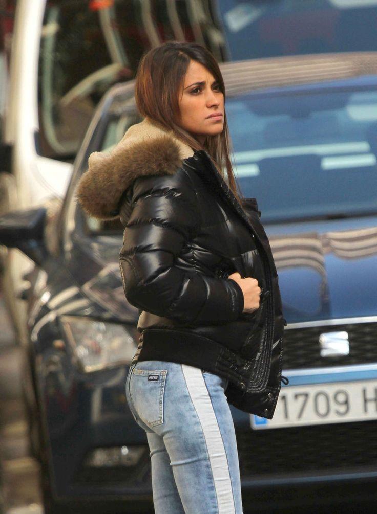 Antonella-Roccuzzo-tight-jeans-004.jpg (1280×1748)